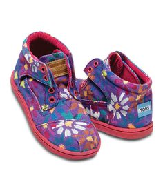 This Purple Daisy Canvas Botas - Tiny by TOMS is perfect! #zulilyfinds