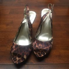 Apt 9 peep toe leopard sling back heels 7.5 Almost like new condition, barely worn. Satin type material with light sheen. Nicely padded footbed. 4 inch heel. Just don't fit me well. Apt. 9 Shoes Heels