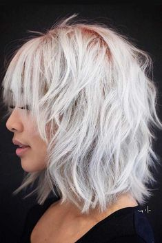 layered bob hairstyles These great short layered bob with bangs images here will guide for a new appereance and amazing experience. Lets take a look these chic short haircuts Short Haircuts With Bangs, Layered Bob Hairstyles, Shag Hairstyles, Black Hairstyles, Hairstyles Haircuts, Hairstyles Pictures, Casual Hairstyles, Latest Hairstyles, Celebrity Hairstyles