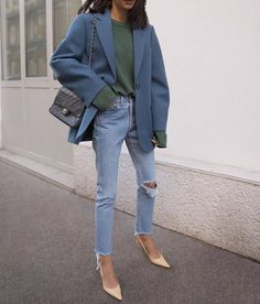 Women Casual Jeans Outfit Light Blue Ripped Jeans Casual Outfits With Jeans Casual Garden Party Attire Smart Casual Girls Grey Pants Casual Outfit Mens Casual Warm Outfits Outfit Jeans, Blazer Outfits Casual, Lässigen Jeans, Casual Jeans, Simple Outfits, Jean Outfits, Cute Outfits, Blazer Jeans, Women Blazer Outfit