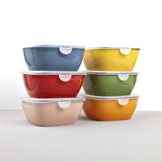 Very practical containers from ColourBlock collection will help you keep your food fresh for longer time 👌🏻 which colour is your favourite? Bowls, Food Fresh, Japan, Tableware, Colour, Collection, Serving Bowls, Color, Dinnerware