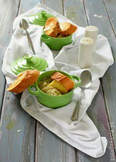 Francuska zupa cebulowa z grzankami zapieczonymi z serem