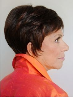 Our wigs for cancer patients are specially selected for women who are looking for natural hair wigs or synthetic wigs. Chrysalis Custom Hair 312-622-1475 info@chrysaliscustomhair.com – by appointment only –