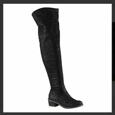 also over the knee thigh high boots almost new, bought this a few years ago, but only worn once. I can't find the size tag on it, but it think it best fits a 7. I normally wear a 7.5 and it's a bit to tight. ALDO Shoes Over the Knee Boots