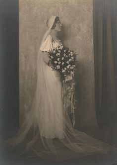 Twenties bride from Bumble Buttons