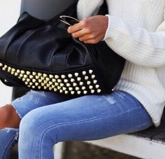 Image uploaded by Barbie. Find images and videos about girl, fashion and style on We Heart It - the app to get lost in what you love. Winter Outfits, Cool Outfits, White Jumper, Great Legs, New Fashion Trends, Autumn Winter Fashion, Nice Dresses, Street Style, Style Inspiration
