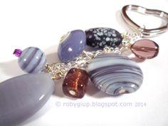 Portachiavi viola con anello a forma di cuore - Purple key ring with heart shaped ring - RobyGiup handmade #beads #keyring #DIY