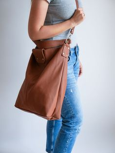 OVERSIZE Brown SHOPPER Bag Large Leather Shopper Light   Etsy Soft Leather Handbags, Leather Purses, Catsuit Costume, Trendy Fashion, Trendy Style, Yellow Leather, Shopper Bag, Large Bags, Leather Fashion