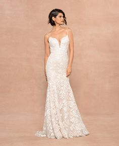 Style 12001 Havana Blush by Hayley Paige bridal gown - Frosted Lily embroidered fit to flare gown, plunging sweetheart neckline with illusion net insert, low open back with nude net yoke, ivory floral sequined detail over cashmere lining. Hayley Paige Bridal, Blush By Hayley Paige, Bella Bridal, Wedding Dress Sizes, Designer Wedding Dresses, Wedding Gowns, Bridal Gown, Lace Wedding, Boyfriends