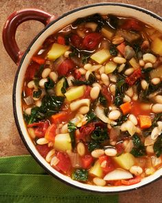 Portuguese white bean and kale soup is such a classic. It's traditionally made with linguica sausage so it might be hard to convince purists that a vegetarian version could be just as good. Kale Soup Recipes, Whole Food Recipes, Vegetarian Recipes, Cooking Recipes, Healthy Recipes, Delicious Recipes, Vegetarian Soup, Easy Recipes, Popular Recipes