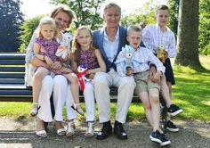 Crown Prince Philipe and Crown Princess Mathilde of Belgium with their children in London 27/07/12