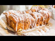Finally Revealed: The Dollywood Cinnamon Bread Recipe Want to make the Dollywood theme park's signature dessert at home? We've got you covered! Here is the world-famous Dollywood cinnamon bread recipe. Apple Cinnamon Bread, Apple Bread, Banana Bread, Cinnamon Desserts, Cinnamon Recipes, Banana Recipes, Cinnamon Rolls, Bread Machine Recipes, Bread Recipes