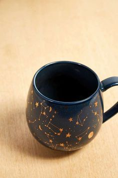 Celestial Print Mug | Urban Outfitters | Home & Gifts | Kitchen & Bar #UOEurope #Urbanoutfitterseu #UOHome