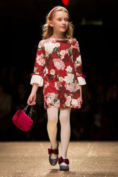 Monnalisa fall winter 2018 fashion show Pitti Bimbo 86 - Fannice Kids Fashion Kids Fashion Blog, Fashion Show, Fashion Ideas, Fashion Fashion, Korean Fashion, Vintage Fashion, Fashion Quotes, Winter 2018 Fashion, Fashion 2018