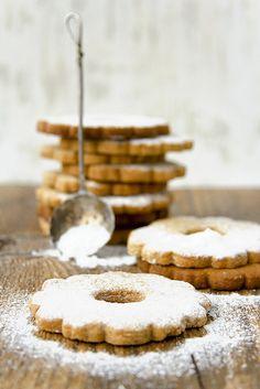 s n o w cookies Galletas Cookies, Milk Cookies, Iced Cookies, No Bake Cookies, Cookie Desserts, Cookie Recipes, Snow Cookies, Shortbread Cookies, Sugar Cookies