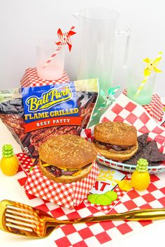 Such a nice day out here today - the weather is perfect for grilling! #ad I will be trying a recipe today by @BriteandBubbly - easy summer cheeseburger with balsamic onions - looks so delicious and simple to make! bit.ly/2IvKdqY Picking up @BallParkBrand patties for this meal now!