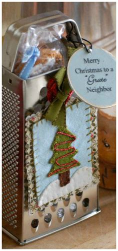 """Merry Christmas, to a Grate Neighbor ~ If you have """"grate neighbors"""", let them know by stuffing purchased graters with homemade goodies. Grater, Christmas Kitchen, Christmas Decorations, Holiday Decor, Making Memories, Food Gifts, Crafts To Do, Stuffing, Creative Gifts"""