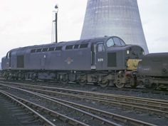 D278 (later 40078) at Wakefield Depot on 22nd May 1966. Built at the English Electric Vulcan Foundry and delivered on 8th June 1960. Withdrawn on 23rd Aug 1981 and cut up at Swindon Works on 1st Oct 1983.