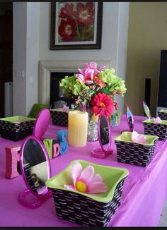 Love this set up!! Baskets are a great favor to take home favors!