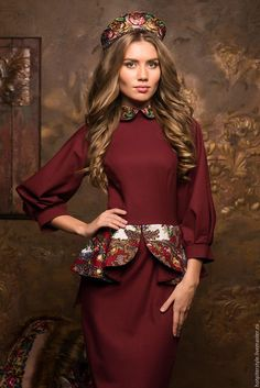 Купить или заказать Платье футляр в Русском стиле в интернет-магазине на Ярмарке Мастеров. Платье футляр в Русском стиле. Плотный трикотаж. 80% вискоза и 20% хлопок. Отделка шерстяной платок. По спинке потайная молния. Платье свободной посадки. Рукав 3-4 фонарик. Длина юбки 65 см. Баска и воротник с отделкой из платка, полностью дублированы и проклеены. Баска прекрасно держит форму. Гарантия качества. Внизу юбки сзади - шлица. Размеры в наличии XS(42). S(44). M(46).