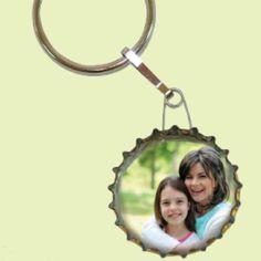Κατασκευές για την Γιορτή της Μητέρας : kidsfun.gr Wood Elf, Key Fobs, Mothers, Heart, Sink Tops, Daycare Ideas, Mother's Day, Keychains, Mom