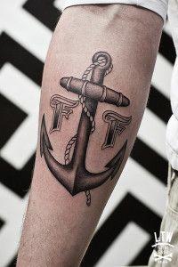 anchortattoo-on-man-arm