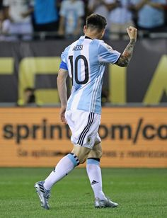 football gallery#Messi God Of Football, Best Football Players, Soccer Players, Rugby, Messi Argentina, Argentina National Team, Messi 10, Uefa Champions, Football Photos