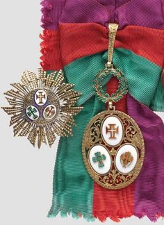 PORTUGAL. Order of the Three Orders. A grand cross set in gilded silver with a grand cross breast star, diameter 65mm, a grand cross, dimensions 100 x 50mm, with hallmark on the pin, and the sash.