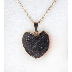 Pingente Coração de Pedra Ágata Escura Folheado Dourado