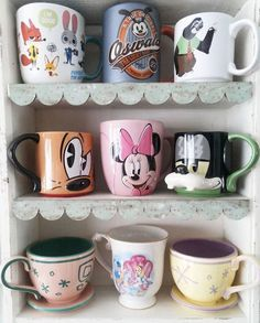 Shared by ❀Gene❀. Find images and videos about disney on We Heart It - the app to get lost in what you love. Disney Coffee Mugs, Disney Mugs, Cute Coffee Mugs, Disney Merch, Cute Tea Cups, Mission Style Homes, Kitchen Organisation, Disney Home Decor, Disney Aesthetic