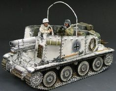 World War II German Winter BBG001 The Grill Self Propelled Gun set - Made by King and Country Military Miniatures and Models. Factory made, hand assembled, painted and boxed in a padded decorative box. Excellent gift for the enthusiast.
