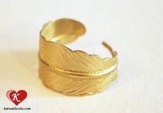 ⊰♥⊱ little feather ring ⊰♥⊱      ✿ Dieser nostalgisch angehauchte goldfarbene Ring be