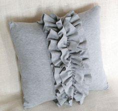 ruffle pillow t-shirt knit - Knitting 2019 - 2020 Cute Pillows, Diy Pillows, Cushions, Shirt Pillows, Decorative Throw Pillows, Cushion Covers, Pillow Covers, Ruffle Pillow, Pillow Quotes