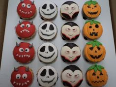 halloween cupcakes | Recent Photos The Commons Getty Collection Galleries World Map App ... Halloween Party Appetizers, Easy Halloween Food, Halloween Baking, Halloween Carnival, Halloween Goodies, Halloween Desserts, Halloween Cupcakes, Halloween Season, Halloween Party Decor