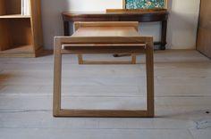 キャンプ用に作ったローテーブル OD09LOWTABLE のご注文を頂き、 東京へ発送しました。 今回の天板は、ナラと山桜を合わせています。 ... Camping Furniture, Wood Furniture, Lap Desk, Camping Style, Camper Interior, Wooden Projects, Wooden Tables, Diy And Crafts, Sweet Home