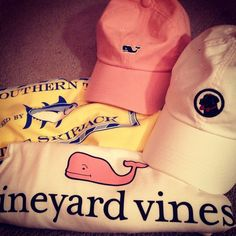 Love the vineyard vines hat and shirt.