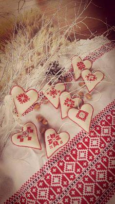 Advent v slovenskom štýle Heart Of Europe, Living Styles, Advent, Folk Art, History, Country, Holiday Decor, Handmade, Hearts