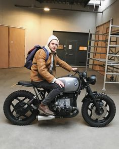 This dude's just managed to get everything on point. Including an incredible BMW build from at IWC. Bmw Cafe Racer, Custom Cafe Racer, Tracker Motorcycle, Bobber Motorcycle, Motorcycle Garage, Motorcycle Design, Bike Bmw, Cafe Bike, Moto Bike