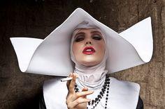 """Photo Smoking Nun Cinecitta Italy - Formento - FormentoJ'aime le contraste érotico-révolutionnaire!"""" """""""