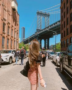 Image may contain: one or more people, people standing, bridge, sky and outdoor Girl Korea, Instagram Pose, Korean Girl, Korean Style, Ulzzang Girl, Brooklyn Bridge, Aesthetic Clothes, Korean Fashion, California
