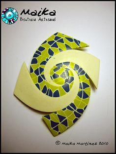 Broche espiral by maika martinez; love the swirl