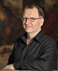 Lars-Erik Litsfeldt er svensk og forfatter til flere bøger om LCHF. Kom i gang med LCHF på 14 dage er hans seneste bog.