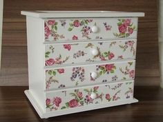 How To Choose Your Jewelry Armoire Decoupage Drawers, Decoupage Vintage, Jewelry Box Makeover, Jewelry Armoire, Wooden Jewelry, Craft Storage, Diy Wood Projects, Wood Veneer, Design Crafts