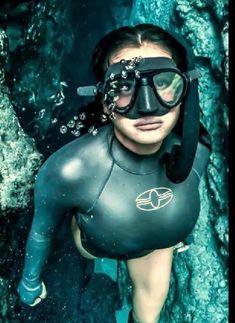 Scuba Diving Gear, Diving Suit, Swimming Diving, Scuba Wetsuit, Underwater Pictures, Snorkel Mask, Girl In Water, Scuba Girl, Jennie Lisa