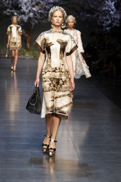 dolce and gabbana ss 2014 women fashion show runway 01 zoom