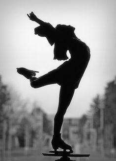 """Juliet"" - bronze sculpture of Kristi Yamaguchi"