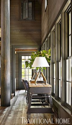The results of this stunning lakeside home in Alabama is a design collaboration by architect Bobby McAlpine and designer Susan Ferrier. Let...