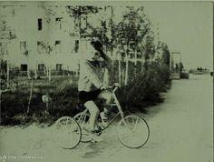 Фотография - На Мичуринском Проспекте у дома №30 - Фотографии старой Москвы Moscow, Westerns, Russia