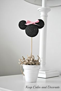 Keep Calm and Decorate: Minnie Mouse Inspired Topiary