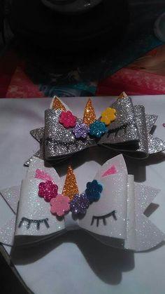 By Adriana Rojas Diy Hair Bows, Diy Bow, Bow Hair Clips, Frozen Bows, Hair Bow Tutorial, Bow Pattern, Christmas Bows, Boutique Bows, Diy Hair Accessories